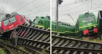 Столкновение двух грузовых поездов в Санкт-Петербурге попало на видео