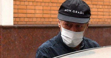 «Сидел похрюкивал»: на поведение Ефремова на суде обратили внимание