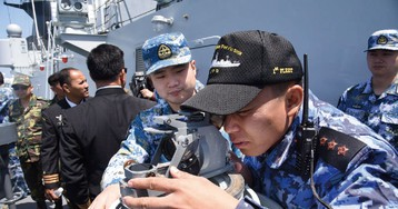 """Китай запустил в море две ракеты для """"предупреждения США"""""""