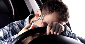 Пьяный водитель с ребенком смог дунуть в алкотестер с 21 раза