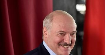 Лукашенко заявил о «половине армии» у западных границ