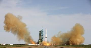 Китайский многоразовый аппарат вернулся из космоса