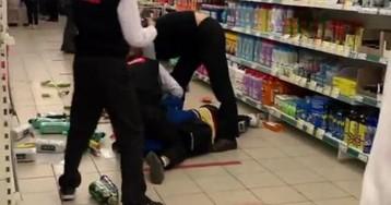 Петербуржец с топором попытался устроить раздачу товаров в магазине