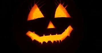 В США показали самую страшную маску на Хэллоуин - это белая женщина средних лет/Создатель маски считает 2020 год таким же ужасным, как его изделие