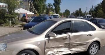 В Николаеве из-за ошибки водителя Chevrolet Lacetti в ДТП разбились 3 авто