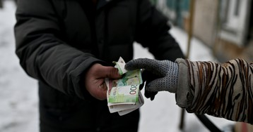 Россияне просрочили долги на 1 триллион рублей