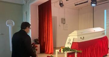 После прощания с погибшей в Нижнем Новгороде журналисткой началось шествие