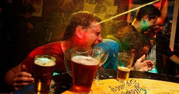 В Госдуме хотят запретить продажу пива в ПЭТ более 0,5 л