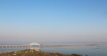 Швейцария ввела санкции в отношении российских граждан и компаний из-за Крымского моста