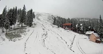 Пора на лыжи: Драгобрат завалило снегом