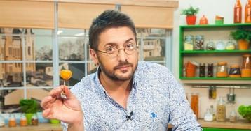 Сытно и просто: известный телеведущий поделился семейным рецептом тыквенного крем-супа