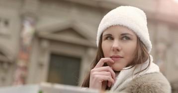 Тепло и удобно: стилист рассказала о тонкостях выбора пуховика на зиму