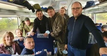 Больше сотни «слуг народа» поехали на Донбасс (фото)