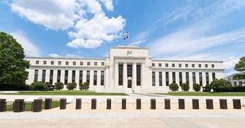 """ФРС: Экономика росла темпами """"от небольших до умеренных"""" этой осенью"""