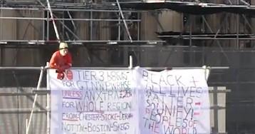 Активист залез на Биг-Бен из-за новых ограничений по COVID-19 в Великобритании