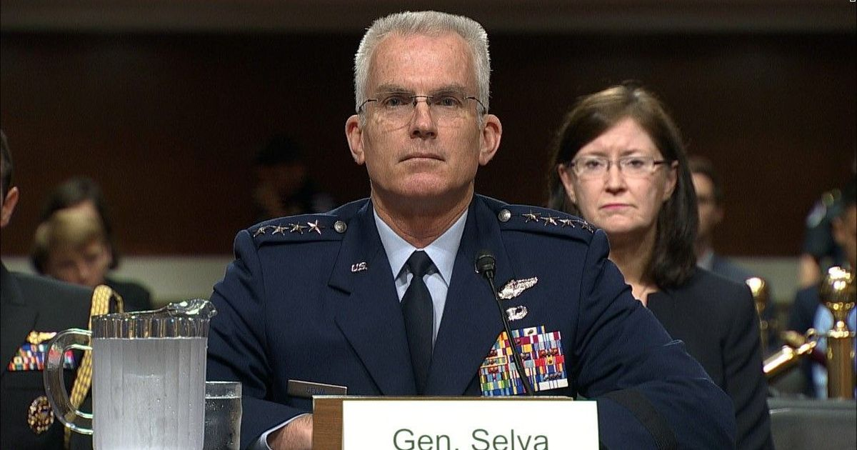 Retired top general who advised Trump among nearly 500 experts endorsing Biden