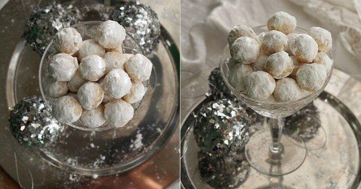 Фото Ванильно-миндальное печенье Снежки