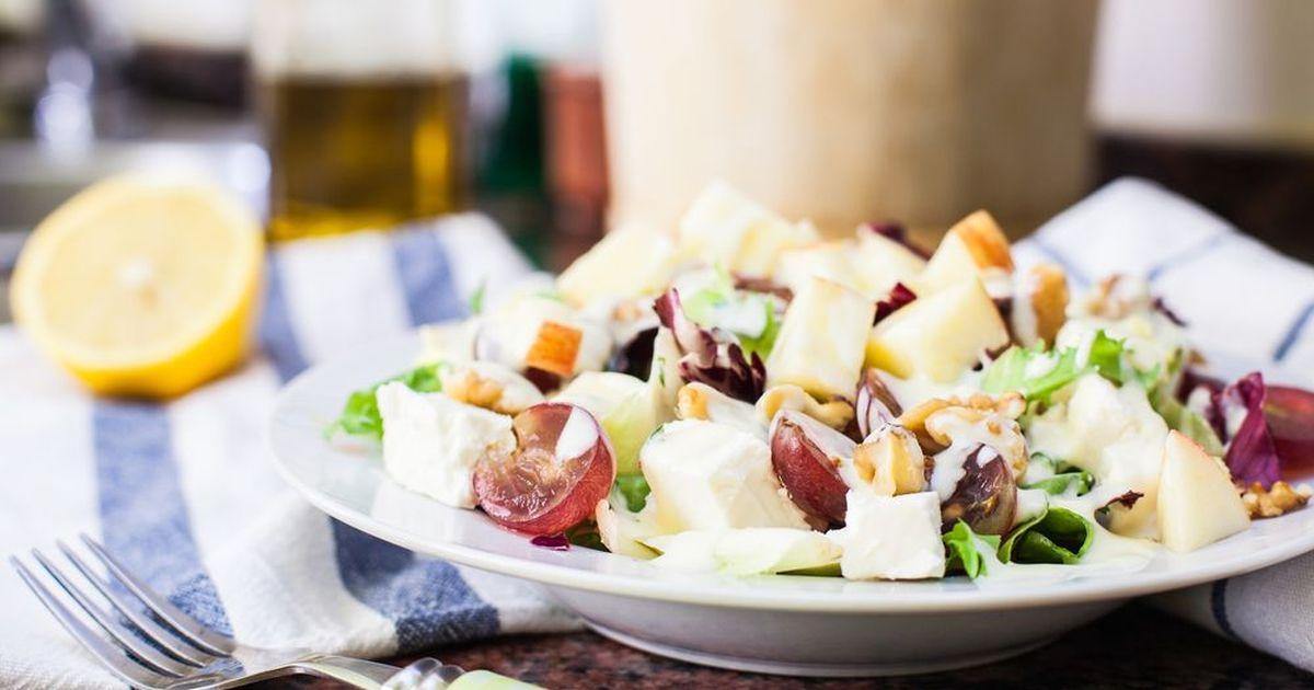 Фото Салат из винограда и сыра