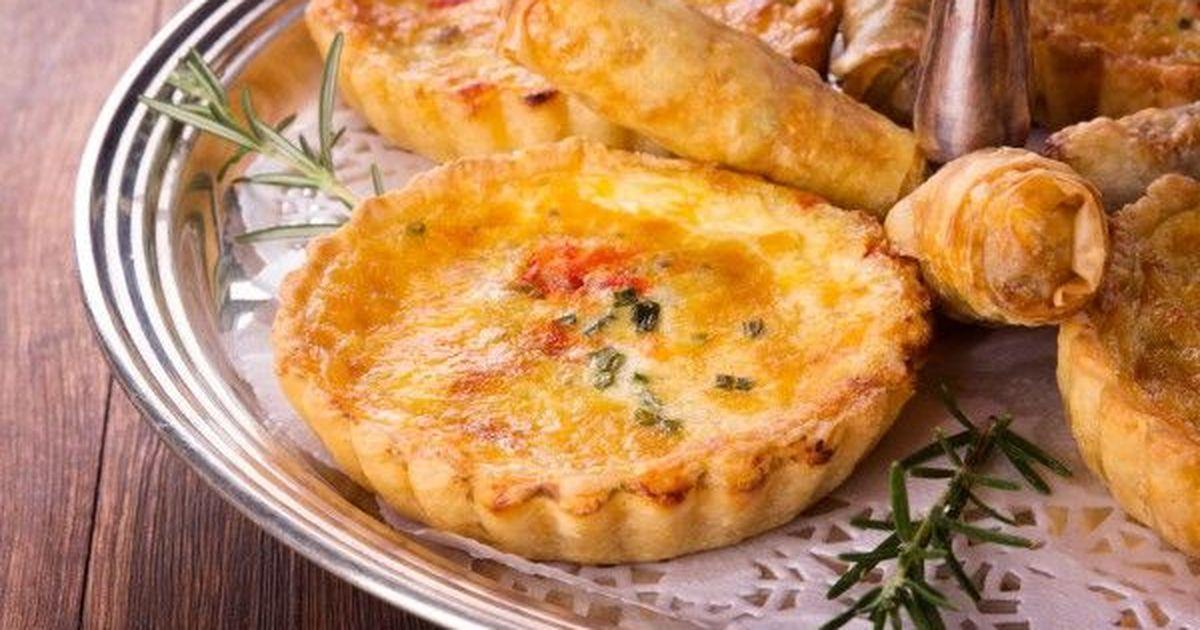 Фото Тарты с грушей, сыром и беконом