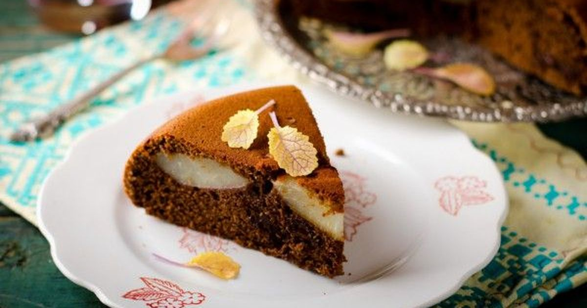 Фото Шоколадный пирог с грушами без муки