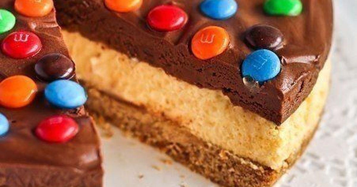 Фото Шоколадный мусс+соленые крендельки+M&M's = Чизкейк