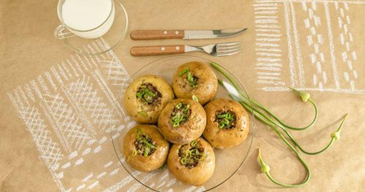 Фото Кныш это булочки с картофельной начинкой. Очень вкусные особенно со сметаной или супчиком