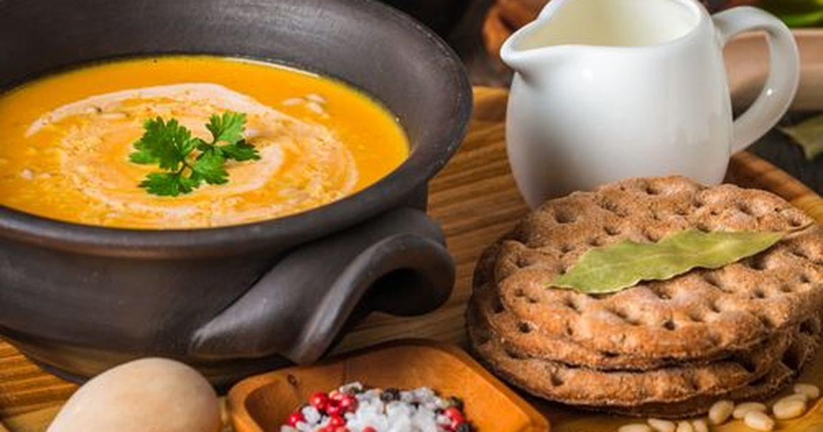 Фото Крем-суп из тыквы с картофелем и орешками