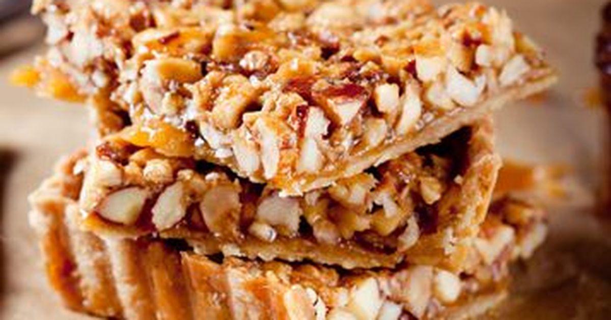 Фото Очень нежный, ароматный пирог с медовой ноткой и ореховым послевкусием