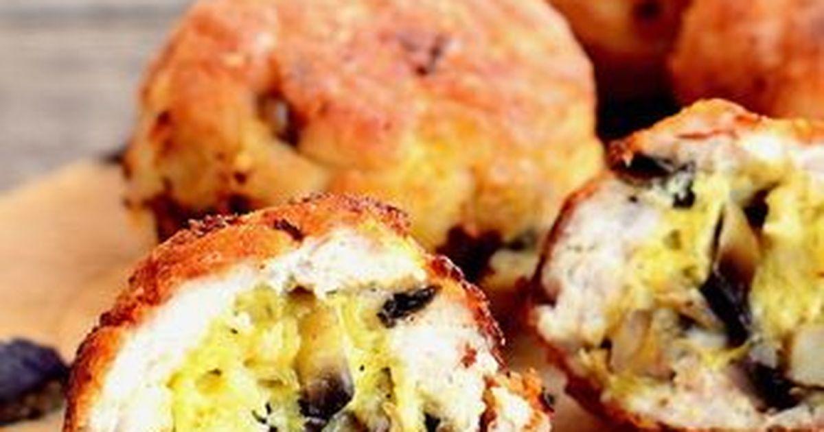 Фото Куриные котлеты с грибами и сыром