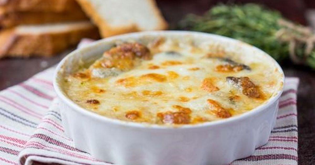 Фото Картофельный гратен с курицей и грибами