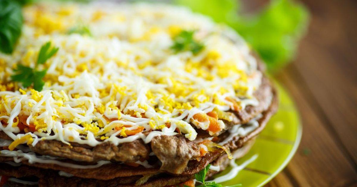 Фото Восхитительный закусочный торт из нежной печени! Понравится всем гостям!