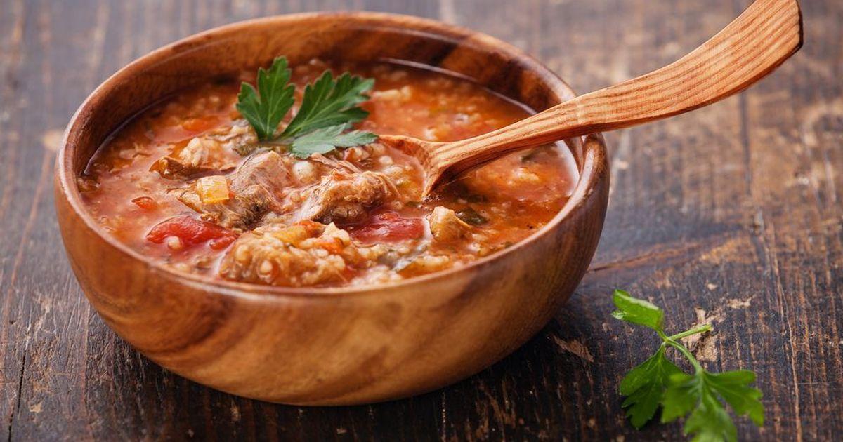 Фото Традиционное блюдо грузинской кухни — суп харчо. Вы несомненно оцените этот замечательный рецепт. Будет очень вкусно!