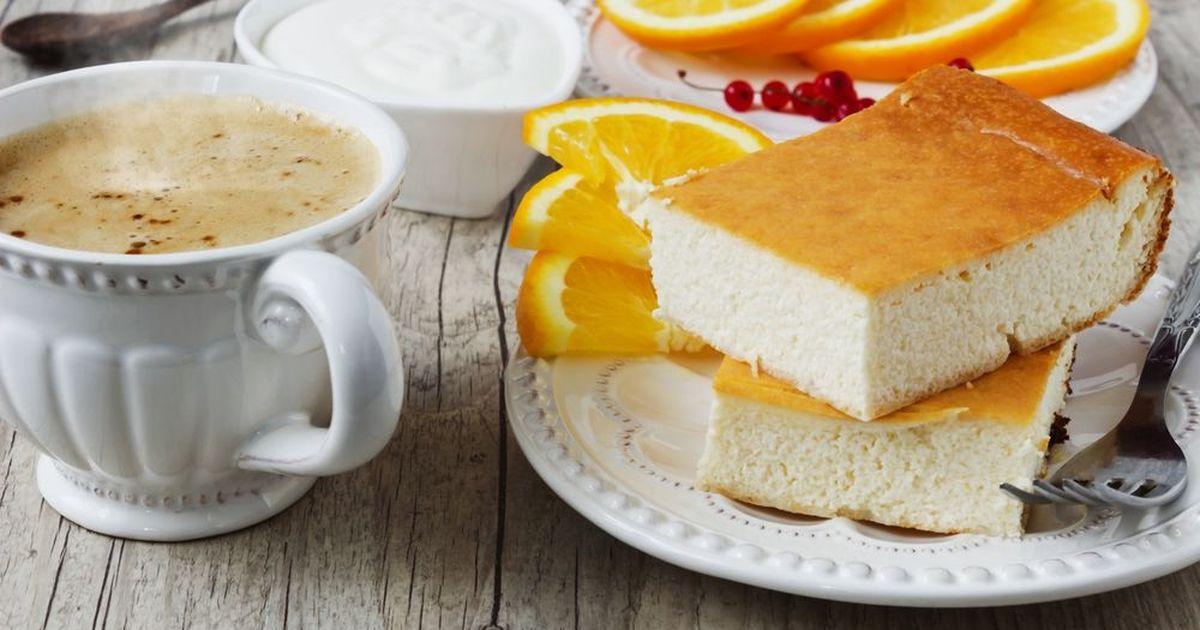 Фото Очень вкусный лимонный творожник из доступных продуктов. Легко готовится, еще быстрее съедается.