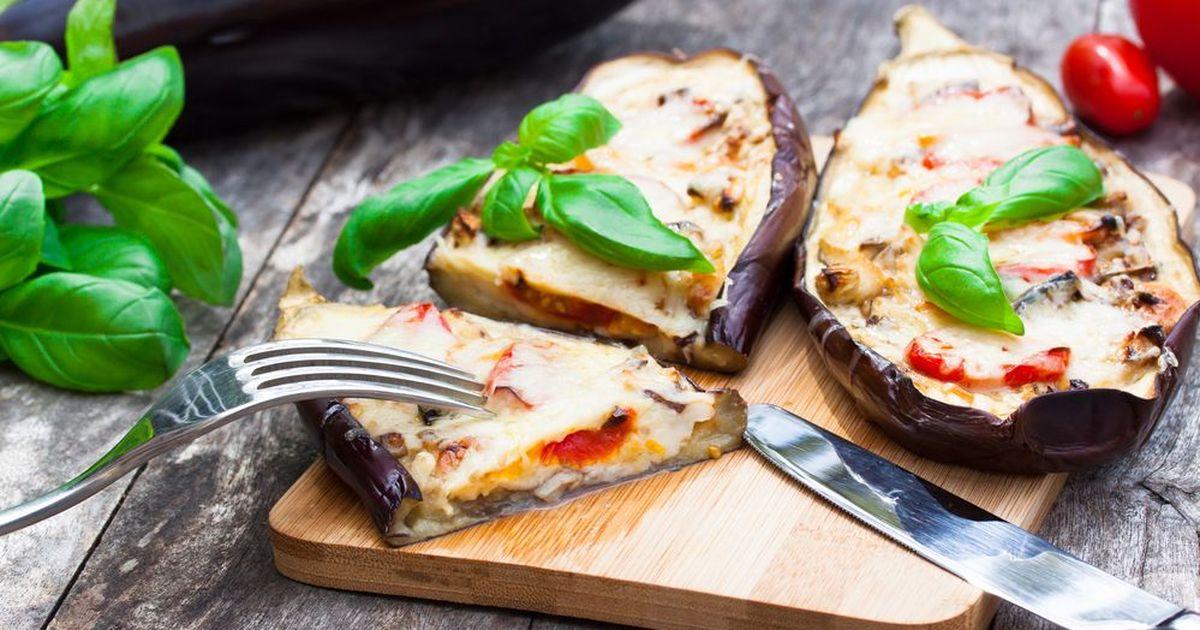Фото Фаршированные баклажаны под сыром