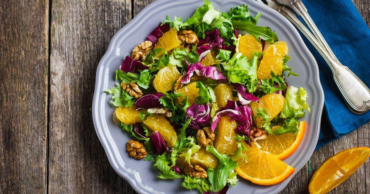 Фото Салат с апельсинами и орехами