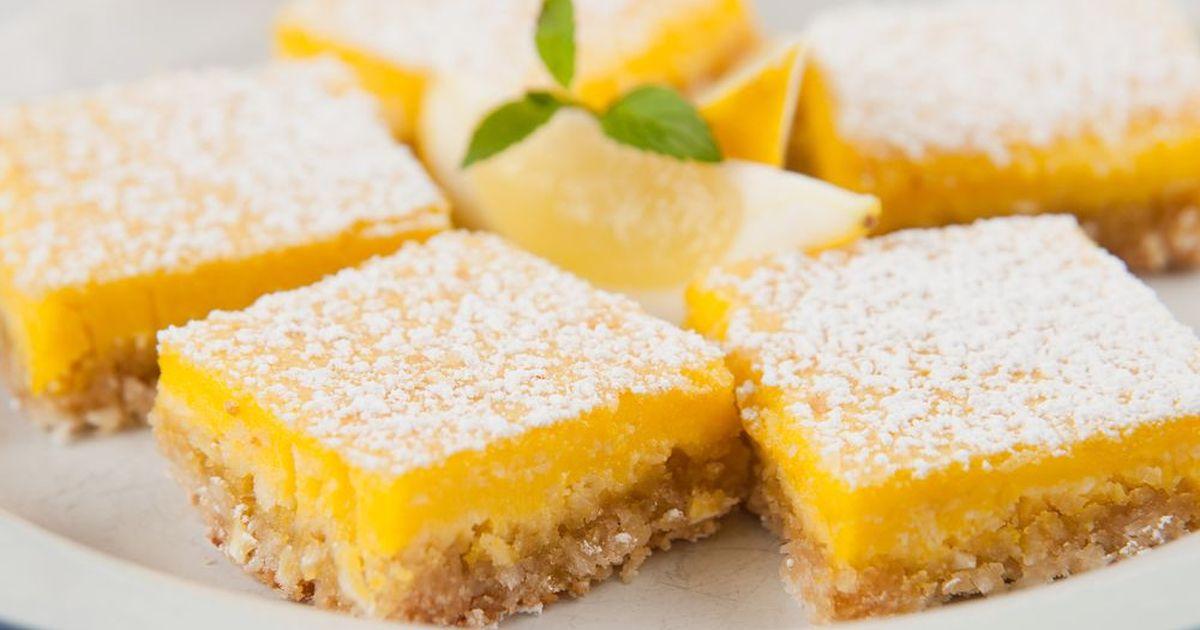 Фото Этот рецепт специально для всех любителей кисленького и лимонов,а также если вам надоели обычные сладкие булочки и вам захотелось разнообразия) Нижний слой пирожного это песочное тесто, а верхний это лимонная начинка. Итак! Начнём?