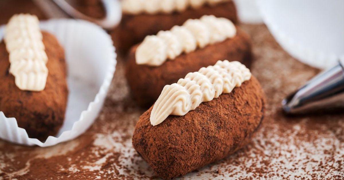 """Фото Невероятно простое и очень вкусное пирожное """"Картошка"""" - это любимый многими ещё с детства десерт! Попробовав приготовить его дома, вы поймёте что покупные сладости - ничто по сравнению с домашней выпечкой, а детки ваши будут просто в восторге от и"""