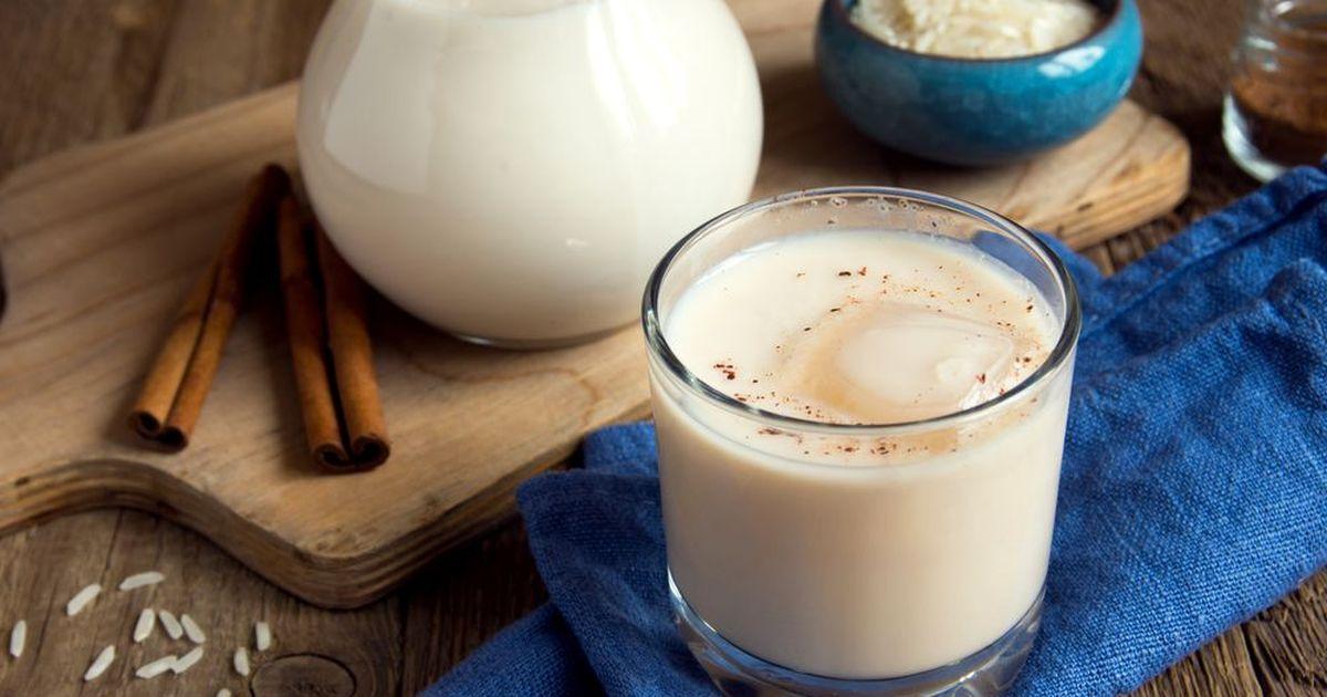 Фото Белый сладковатый безалкогольный напиток, очень популярный во всех испано-говорящих странах. В Мексике он готовится путем вымачивания риса. Очень приятно пить охлажденным в летнюю жару.