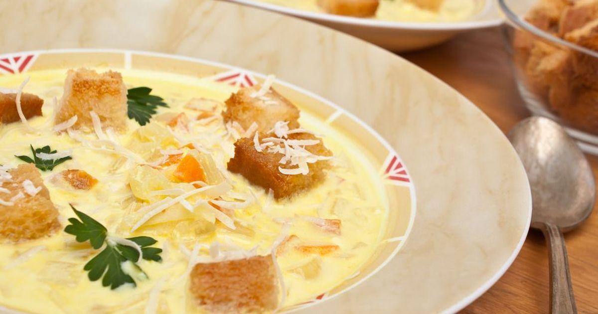 Фото Сырный суп - одно из самых вкусных первых блюд. Такой суп очень нравится всем членам семьи, а особенно детям. Попробуйте!