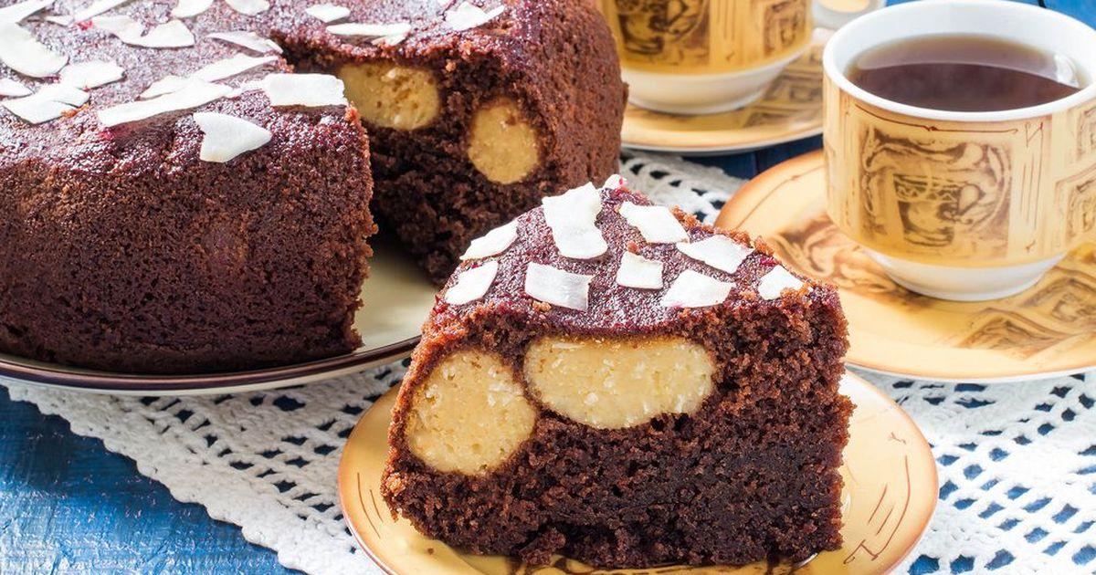 Фото Шоколадный пирог с творожными шариками