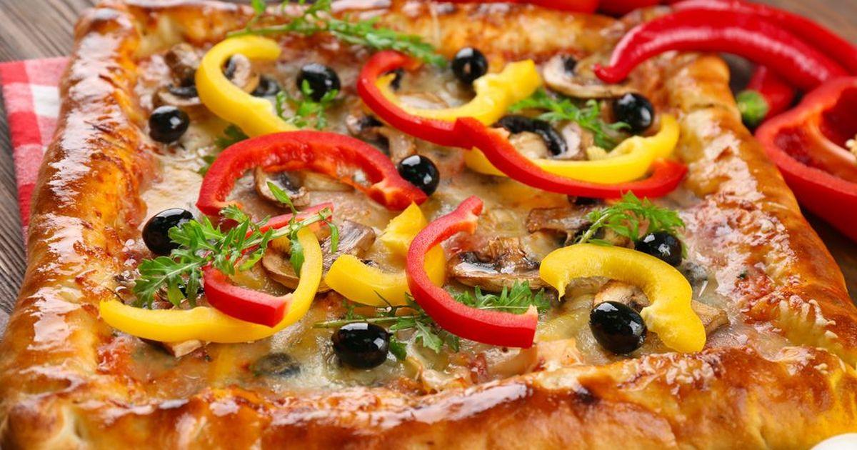 Фото Пышная домашняя пицца