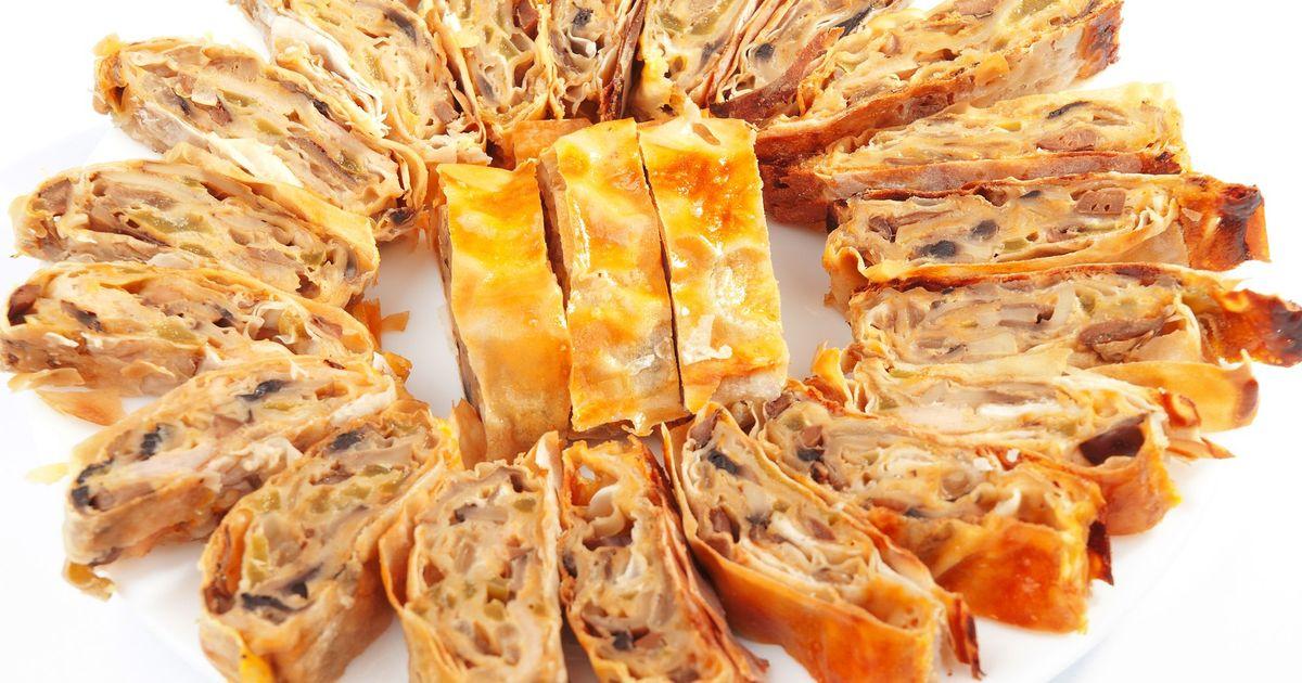 Фото Рулет из лаваша с грибами и сыром в духовке