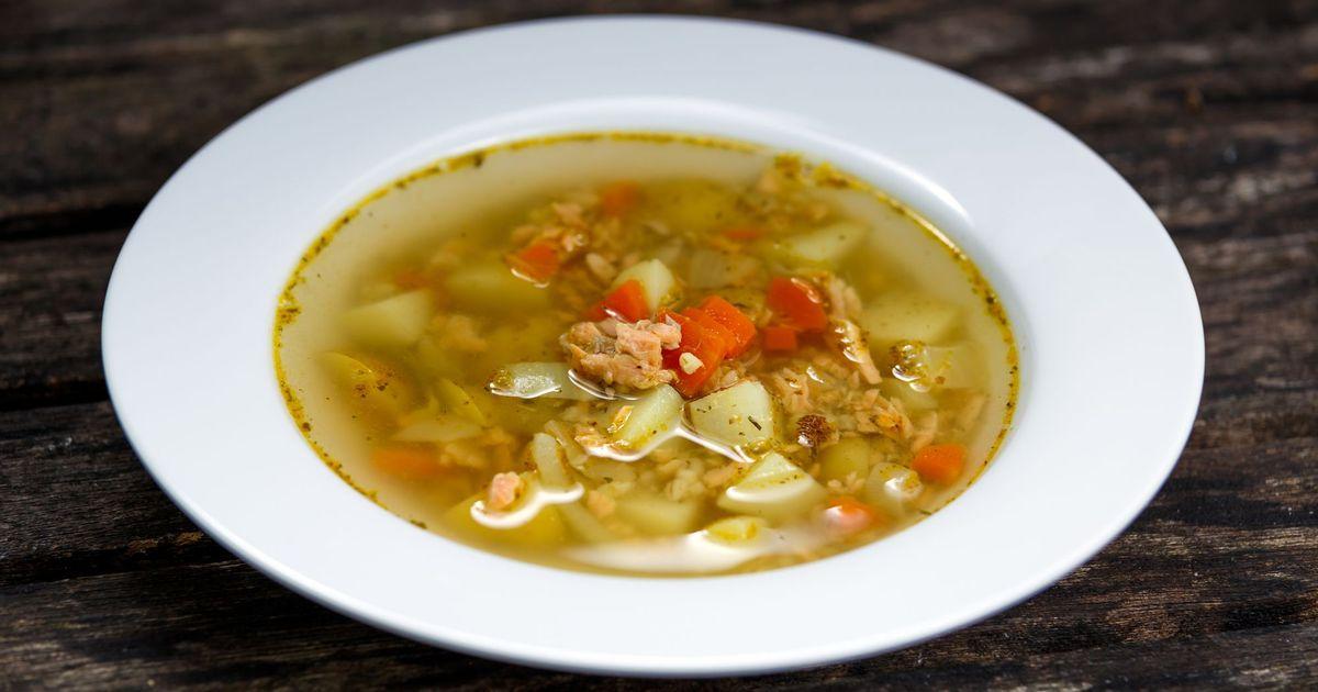 Фото Суп получается очень легким, с нежным рыбным вкусом и потрясающим ароматом.