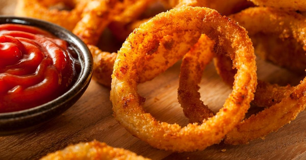 Фото Вкуснейшие луковые кольца в кляре