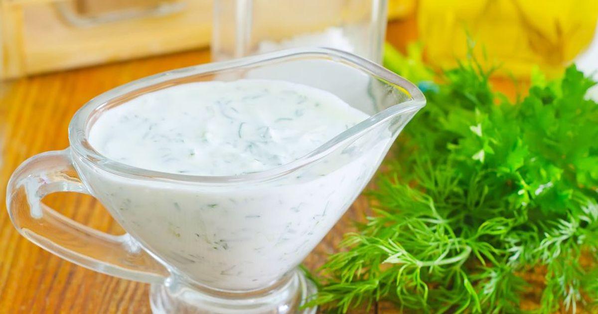 Фото Вкусный и полезный холодный соус из йогурта.