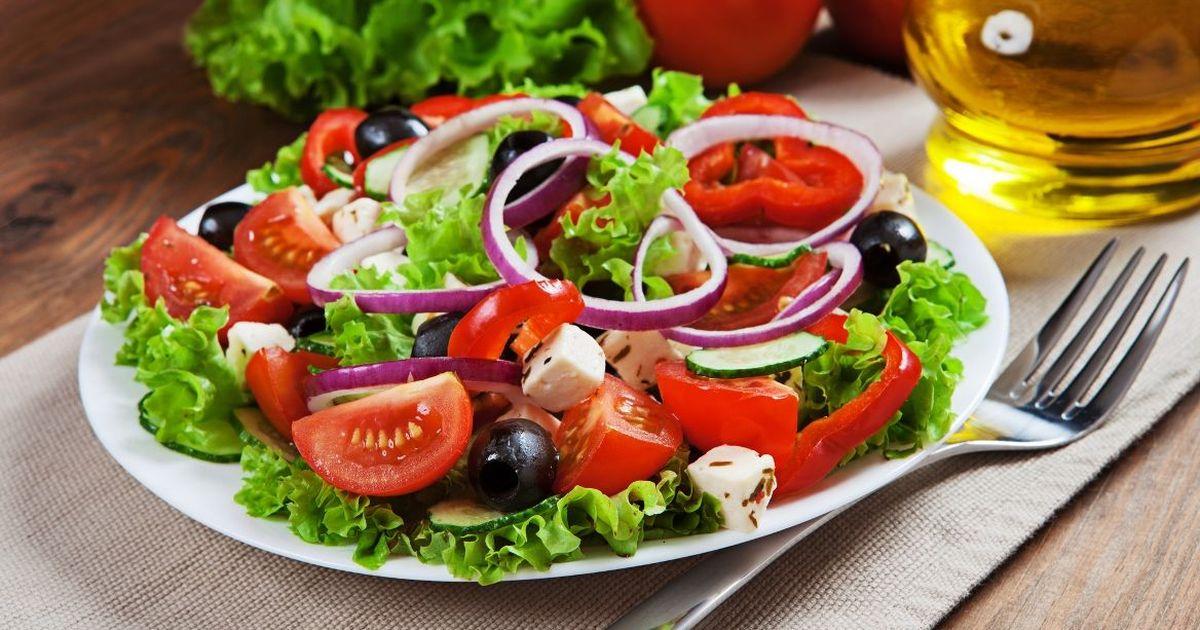 Фото Аппетитный греческий салат