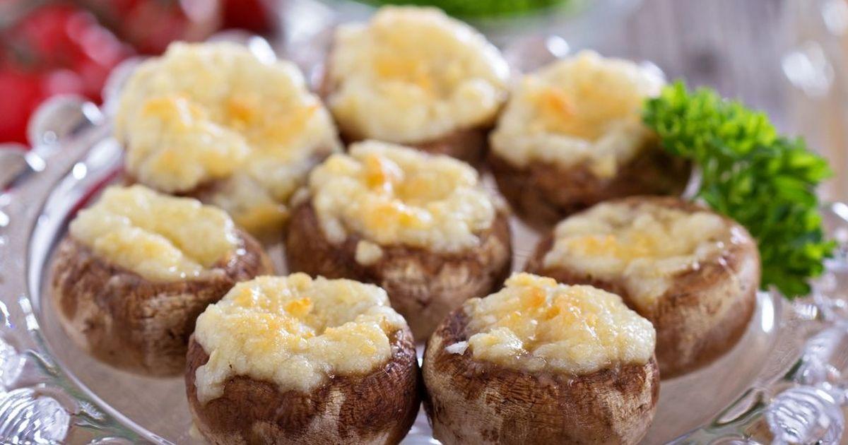 Фото Запечённые шампиньоны с сырной  начинкой