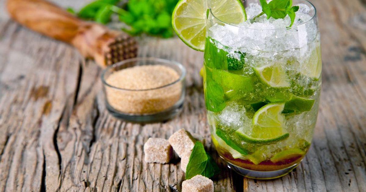 Фото Один из самых популярных летних коктейлей с освежающим вкусом и восхитительным сочетанием сладости и кислинки.