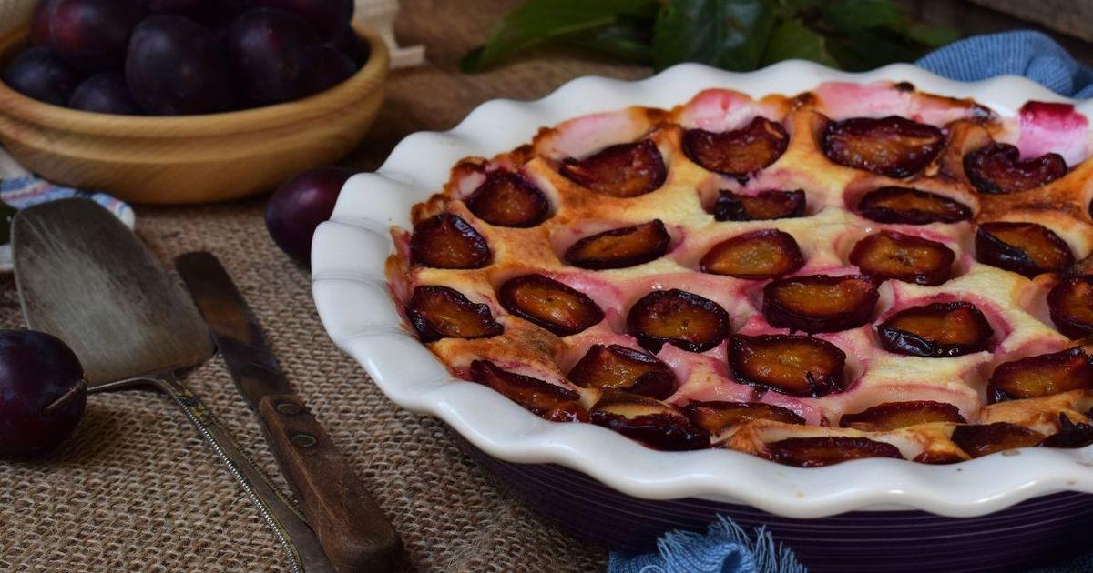 Фото Вкуснейший заливной пирог со сливами
