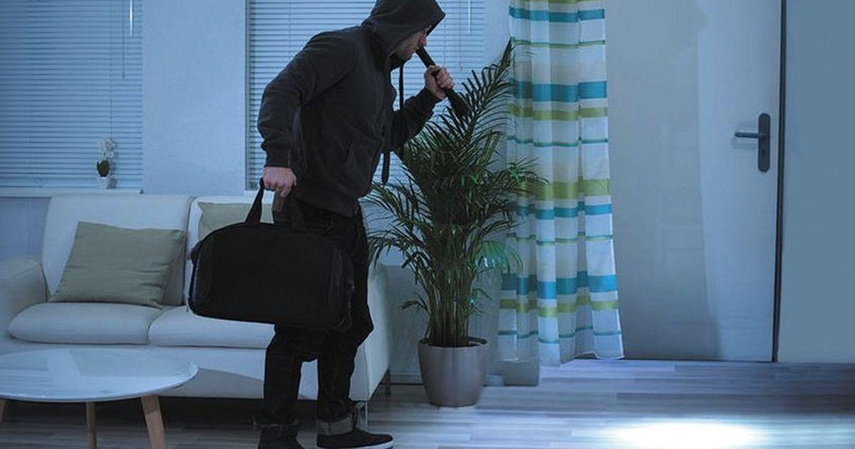 Фото Тайные метки воров, которые хотят ограбить квартиру, назвал оперативник